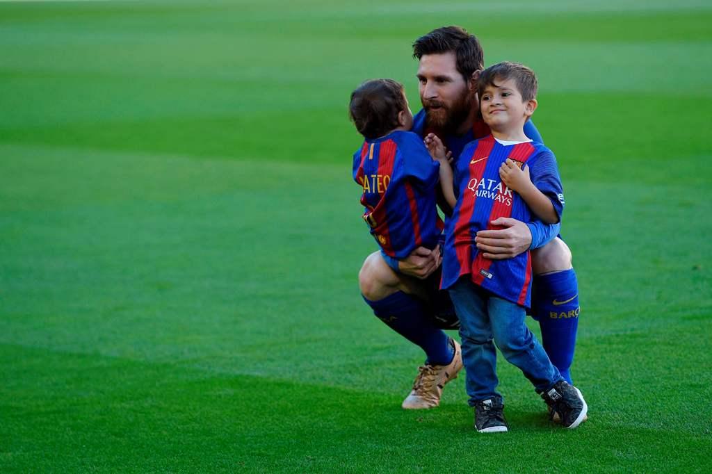 Nama Anak Ketiga Messi Mirip dengan Striker Lazio