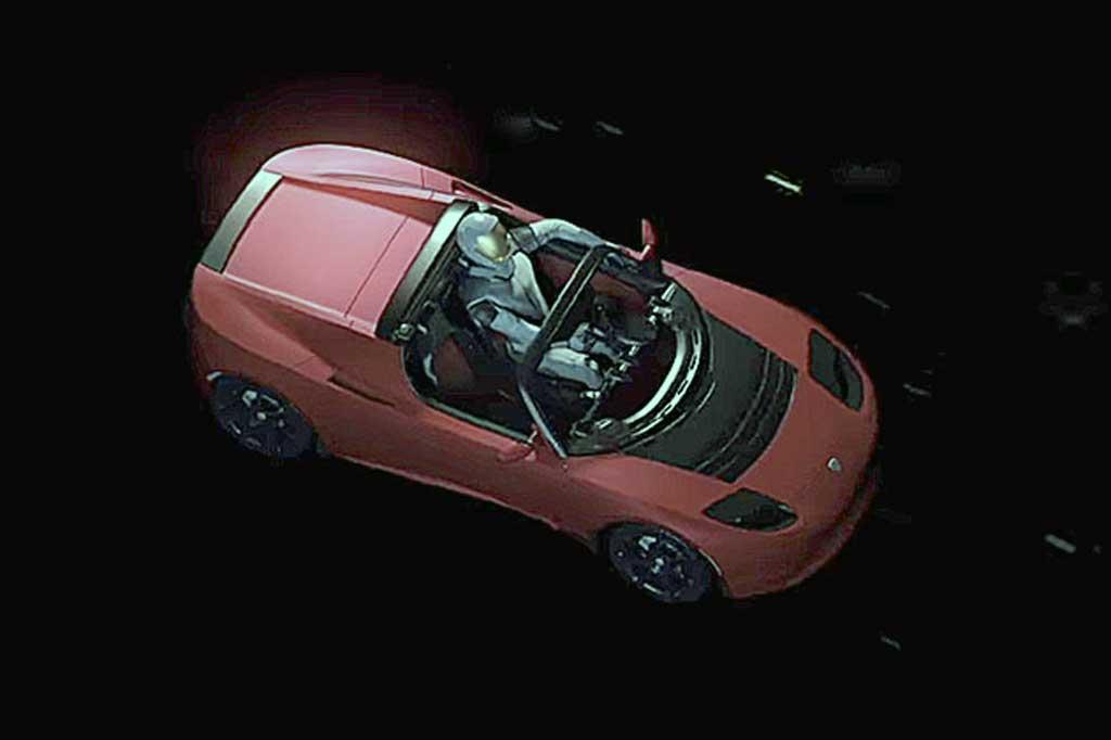 Mengendarai Tesla Roadster di Ruang Angkasa