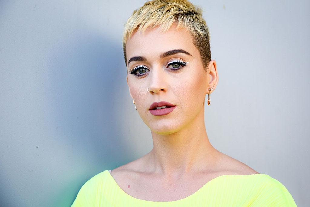 Katy Perry Mengaku Lirik Lagu I Kissed A Girl Bermasalah