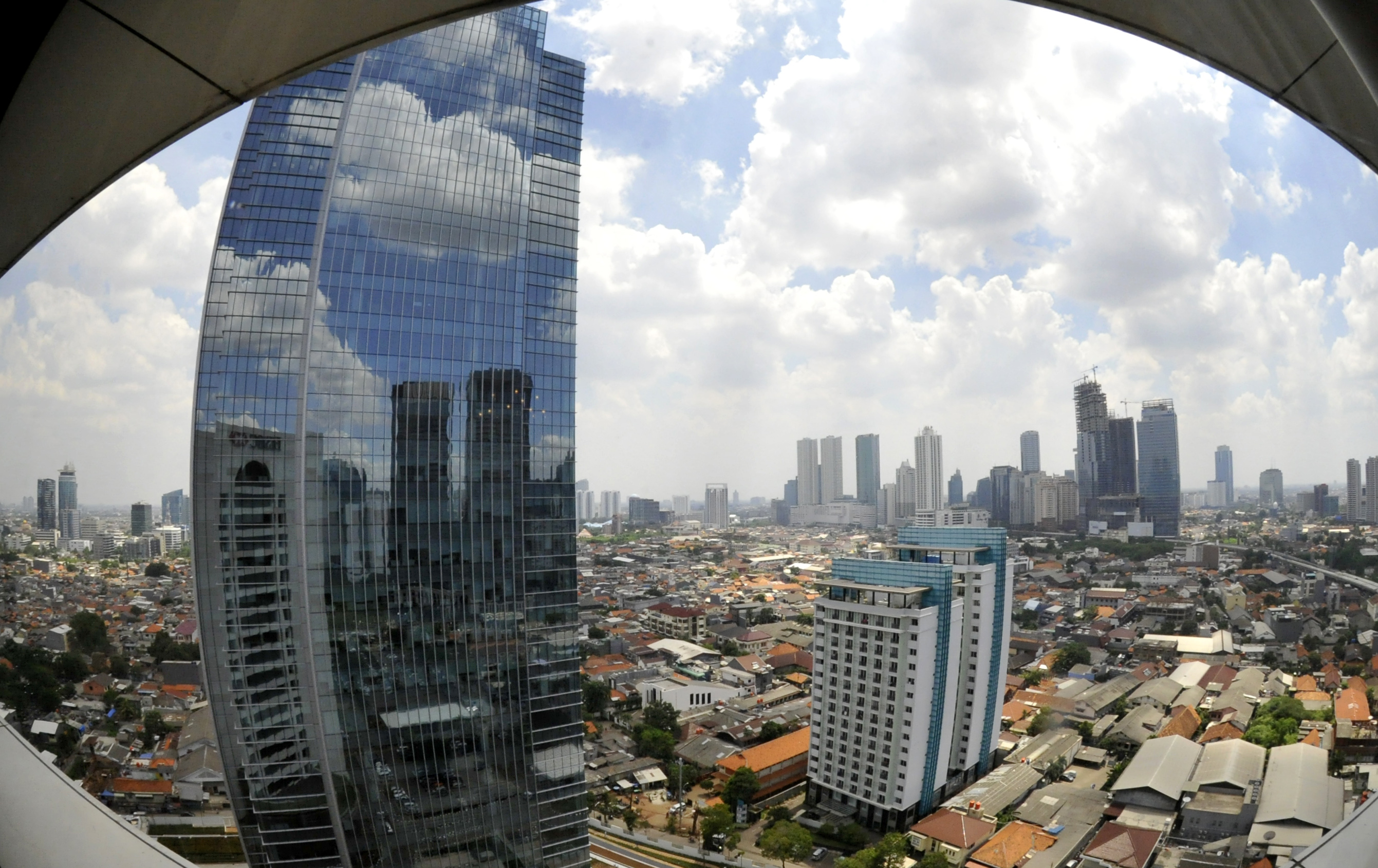 JCR Raises Indonesia's Credit Rating to BBB
