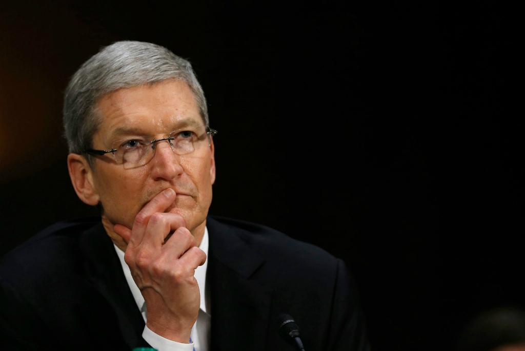 Investor Ajak Tim Cook Diskusi Soal Apple Watch dan Apple Pay