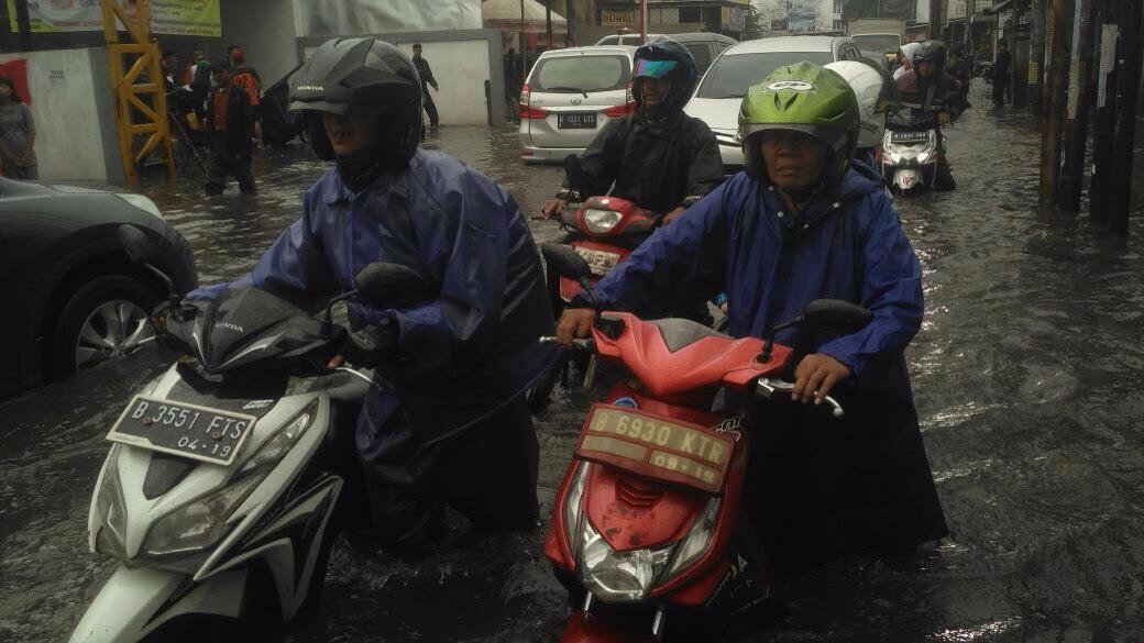 Bekasi Dikepung Banjir
