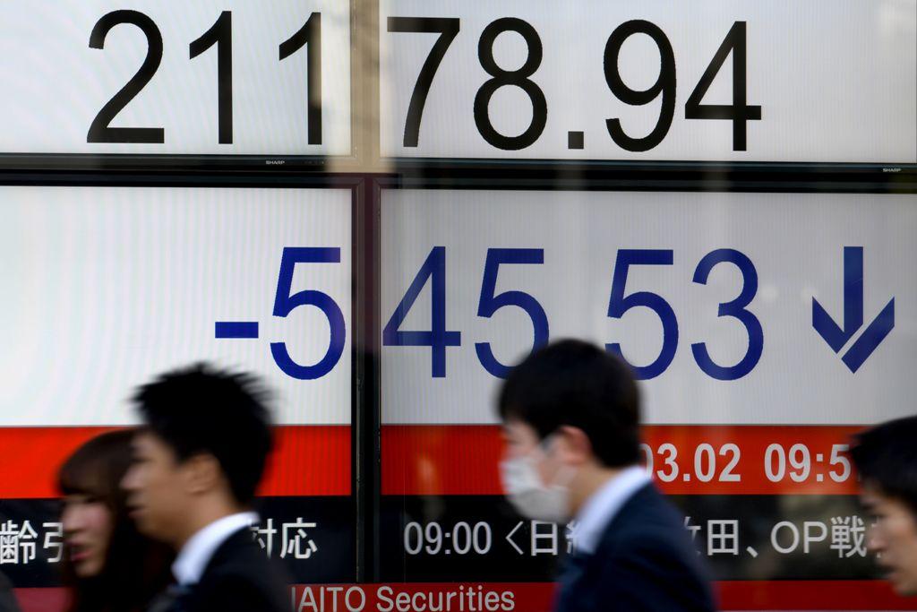 Asian Markets Turned Negative as Trump Fans Trade War Fears