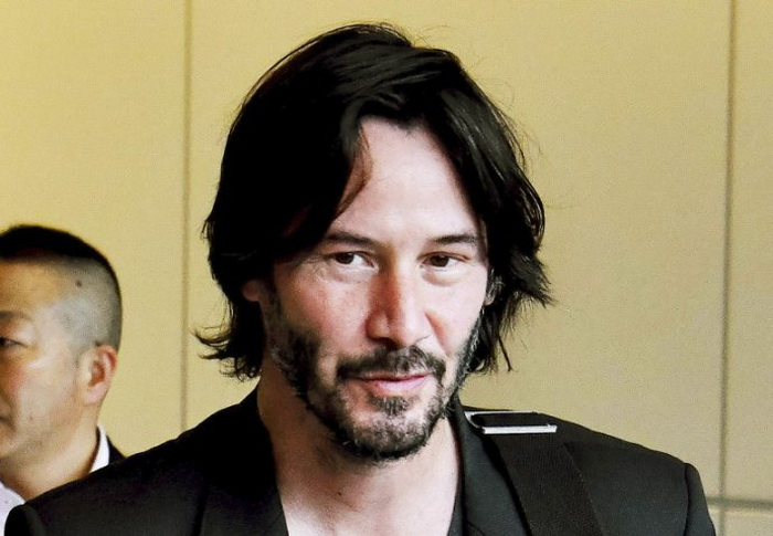 Keanu Reeves Diincar untuk Bermain di Film Superhero Past Midnight