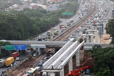 Police Committed to Ease Traffic Congestion in Jakarta-Cikampek Toll Road