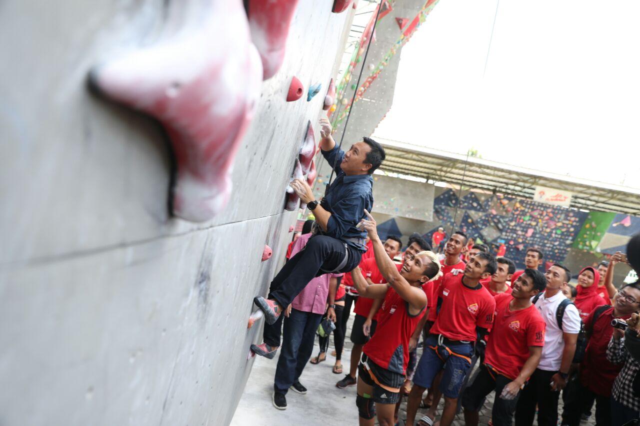 Menpora Optimis Cabor Panjat Tebing Raih Emas Asian Games 2018