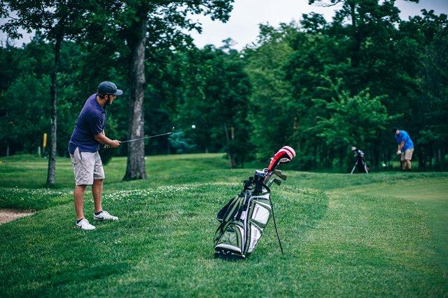Penderita Osteoporosis, Hindari Olahraga Golf