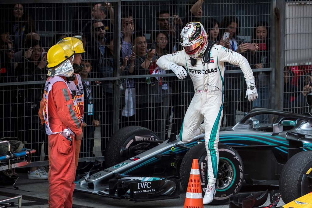 Gagal Juara di Tiongkok, Hamilton Mulai Ragu