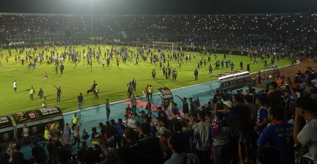 Ratusan Orang Terluka saat Kericuhan di Stadion Kanjuruhan