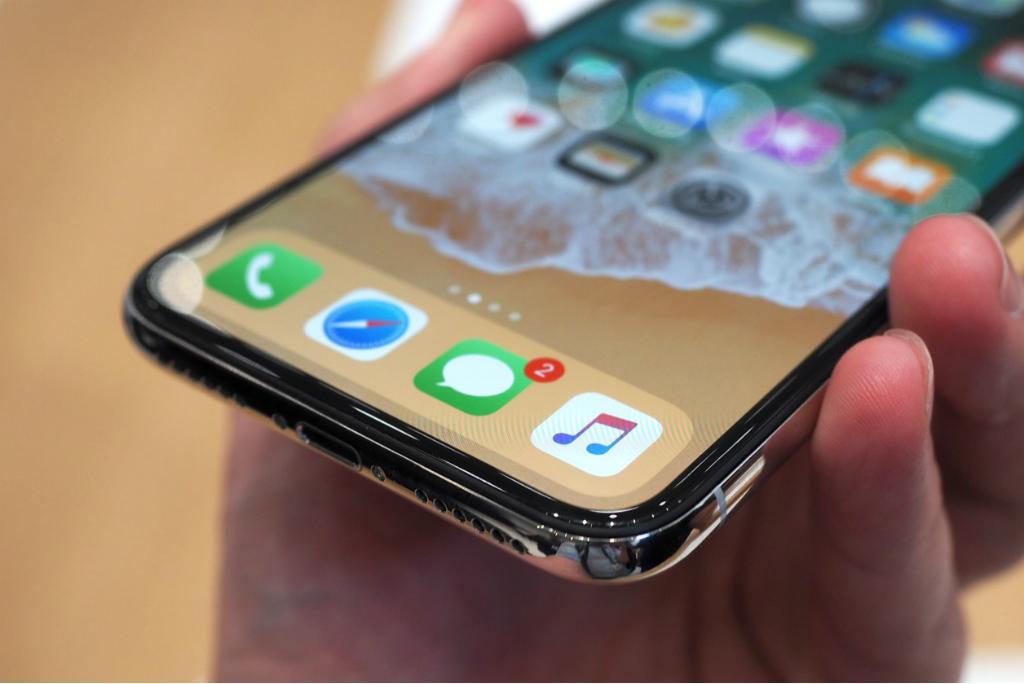 Samsung Mulai Produksi Layar iPhone Bulan Depan