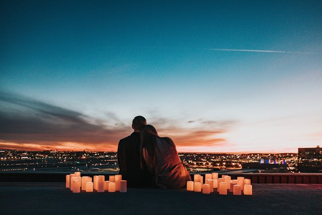 Cara Ini Memperkuat Hubungan Anda dengan Pasangan