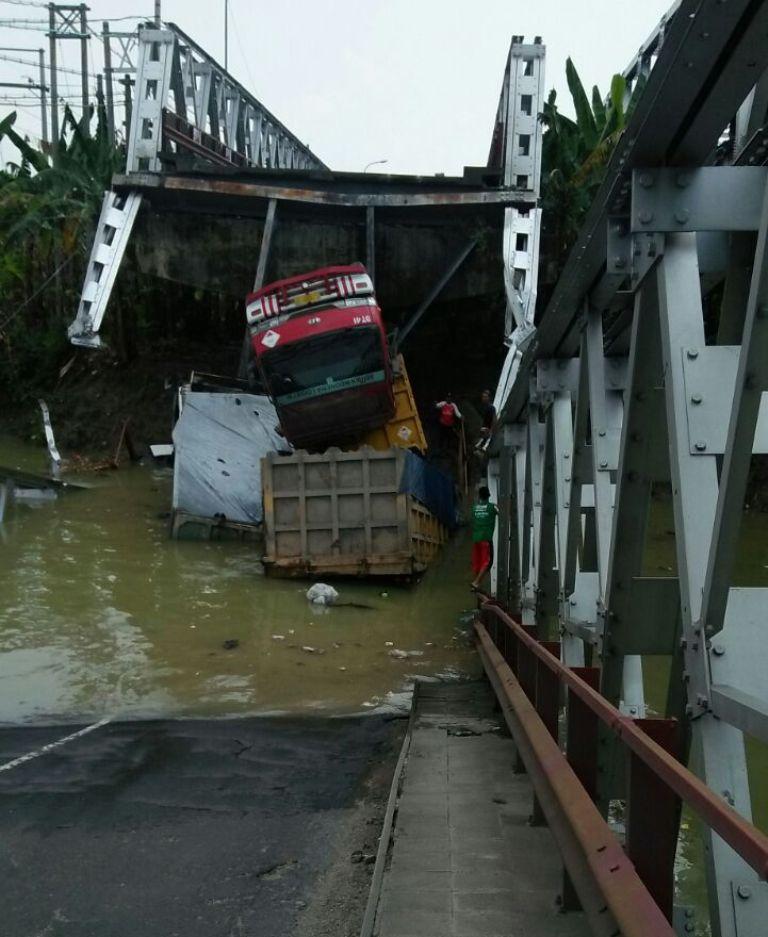 Korban Tewas di Jembatan Widang Tuban masih Dievakuasi