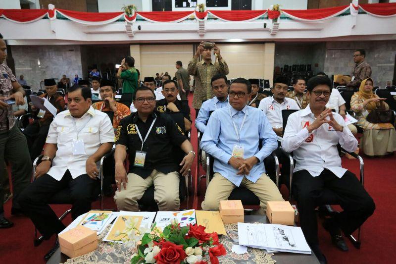 Nurdin Halid <i>Pede</i> Sambut Debat Kedua