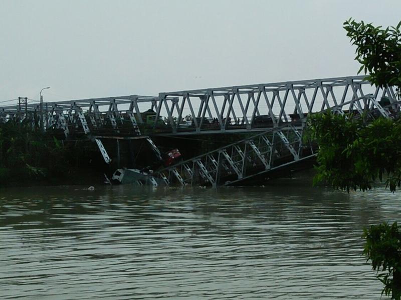 Tragedi Jembatan Widang Mengancam Perekonomian Jatim