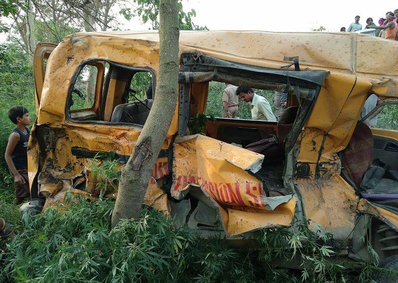 Bus Sekolah Dihantam Kereta, 13 Siswa India Tewas