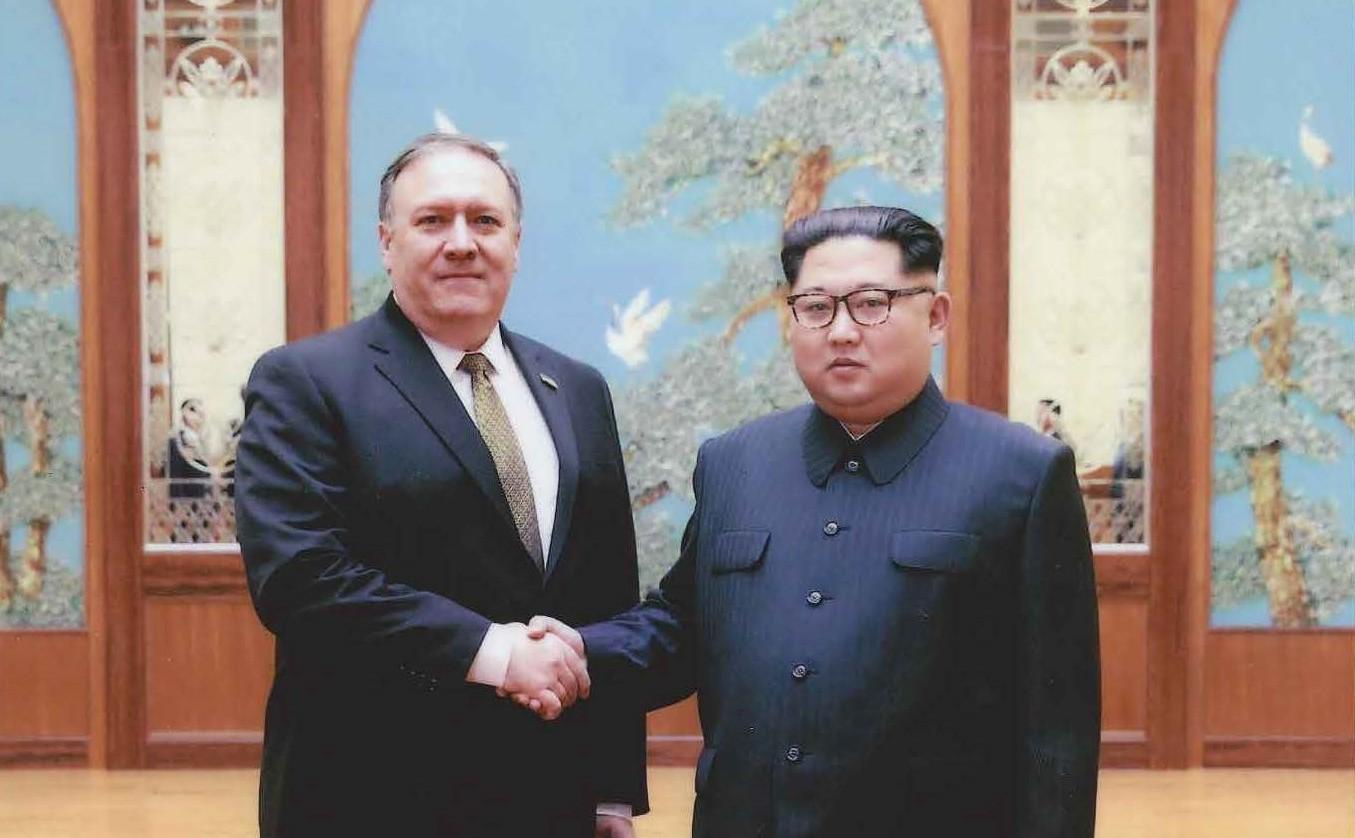Gedung Putih Rilis Foto Calon Menlu AS dan Kim Jong-un