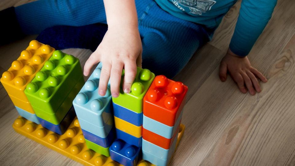 Manfaat Mainan Sederhana bagi Anak