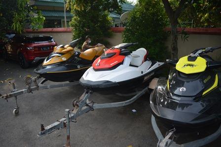 Mobil dan Jet Ski Milik Bupati Mojokerto Disita