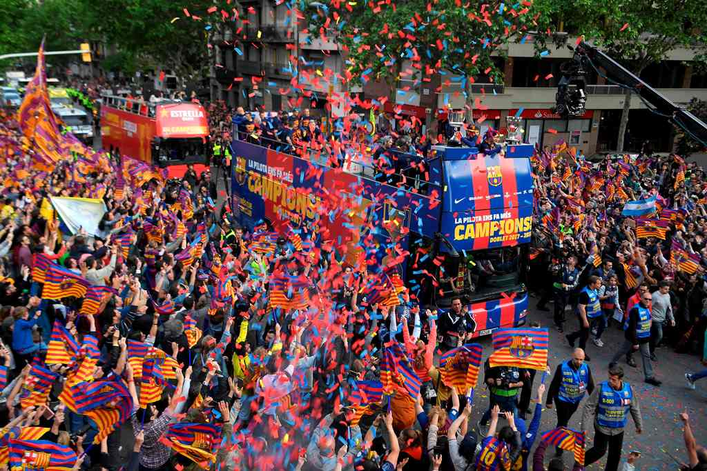 Raih <i>Double Winners</i>, Barcelona Gelar Parade Juara