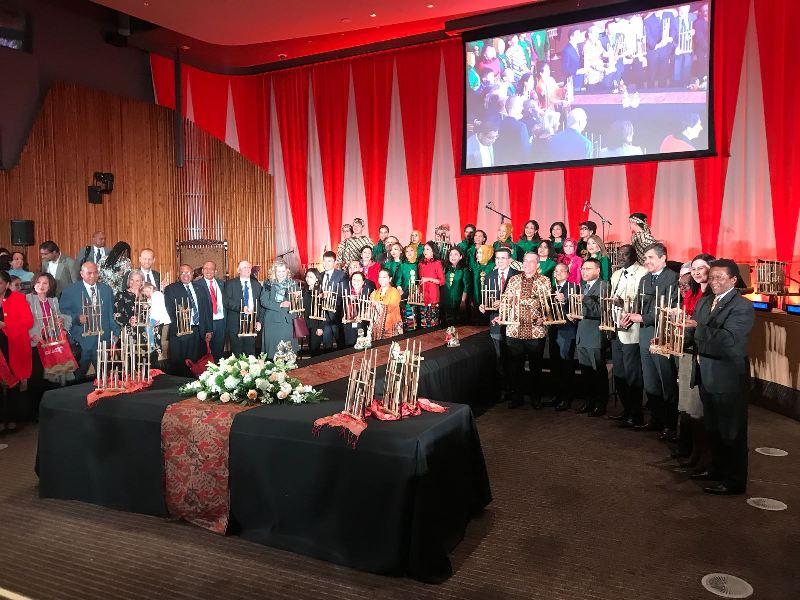 Alunan Angklung Meriahkan Markas PBB