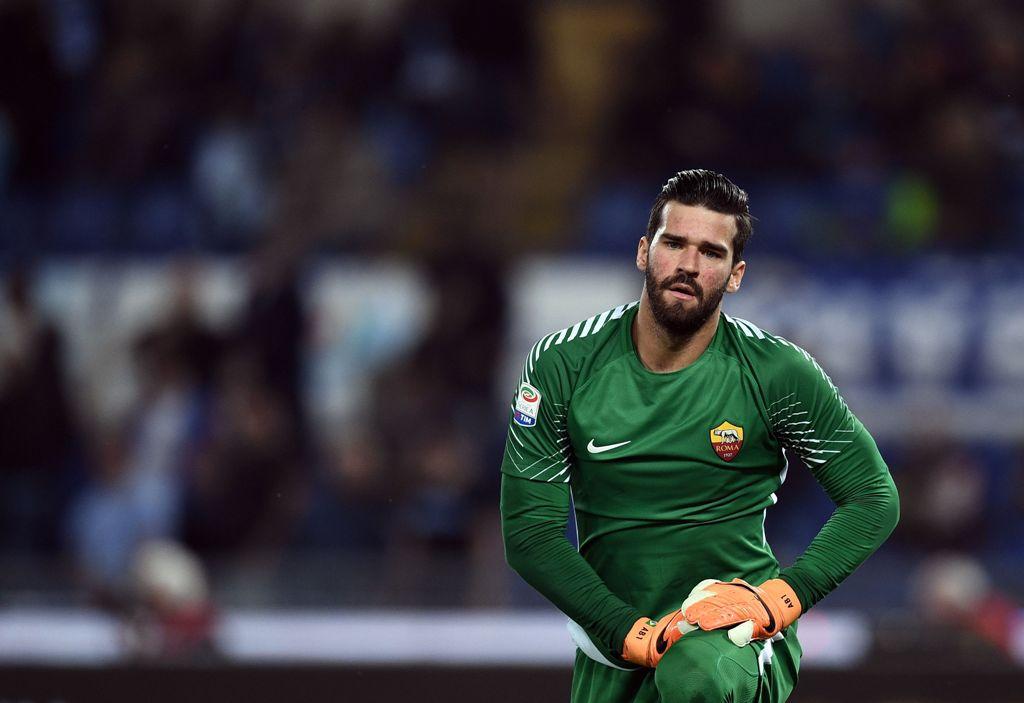 Dilirik Klub Besar, Alisson Masih Fokus di Roma