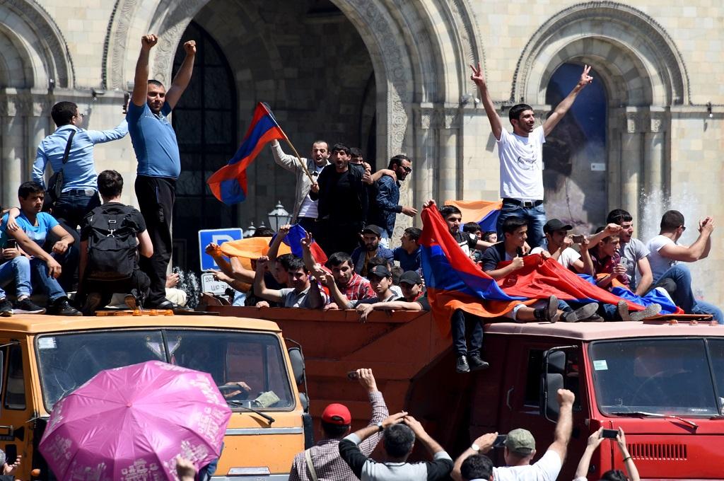 Demonstran Lumpuhkan Ibu Kota Armenia