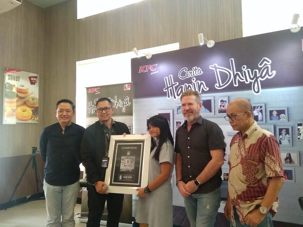 Sebulan Dirilis, Album Perdana Hanin Dhiya Raih Platinum