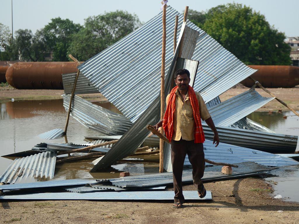 Korban Tewas Badai Debu India Capai 116 Orang