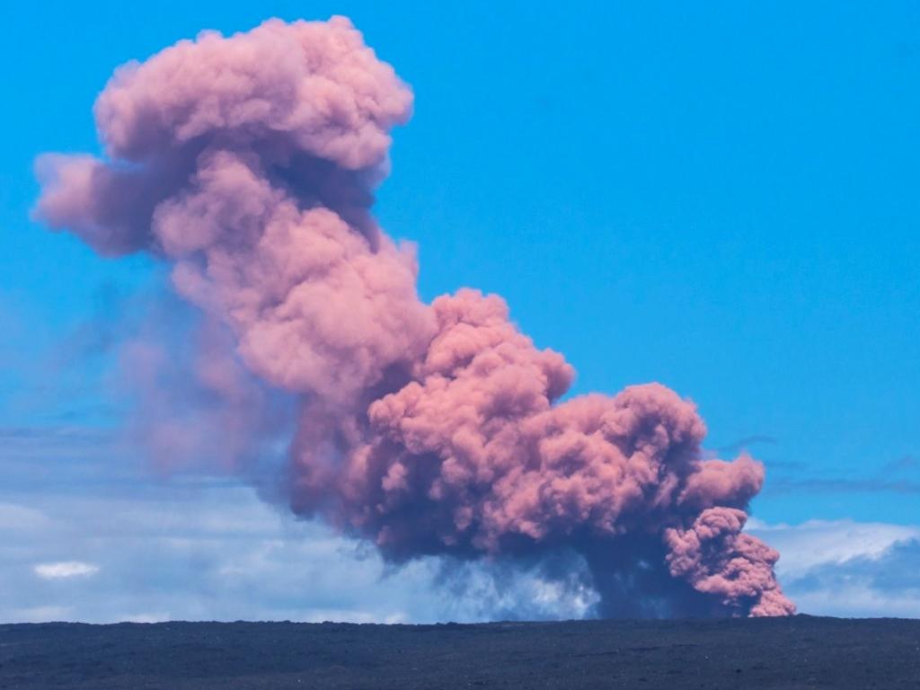 Gunung Meletus, Pemerintah Hawaii Evakuasi Warga ke Pantai