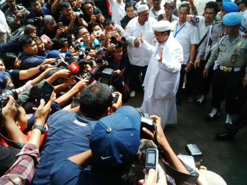 Kasusnya Dihentikan Polda Jabar, Rizieq Shihab Belum Tentu Pulang
