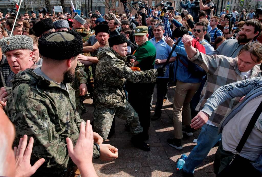 Ratusan Orang Ditangkap Jelang Pelantikan Vladimir Putin