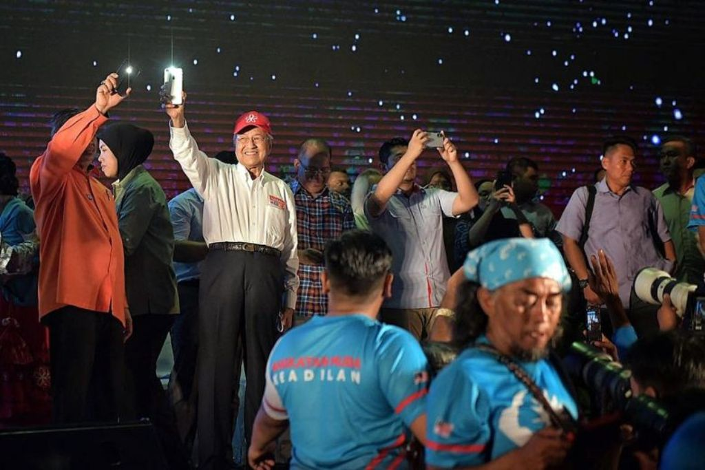 Ribuan Warga Malaysia Hadiri Kampanye Mahathir Mohamad