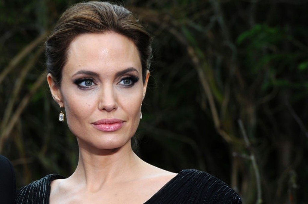 Angelina Jolie Angkat Kisah Atlet Amerika Jim Thorpe