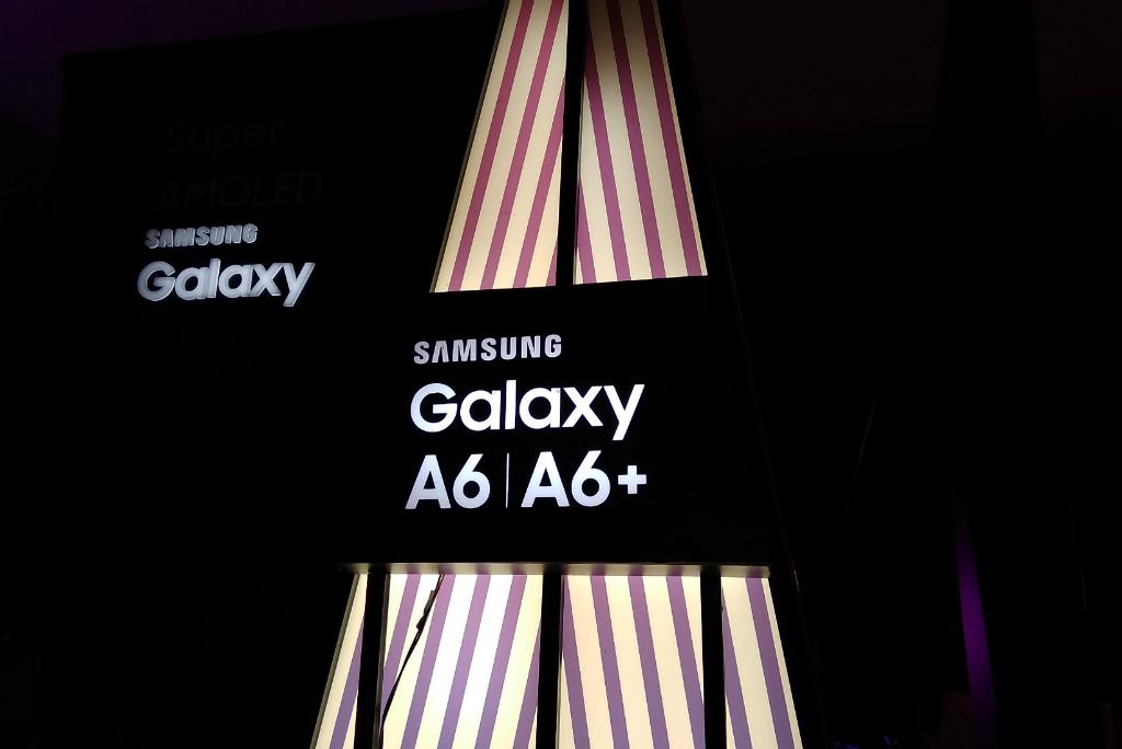 Diluncurkan Berdekatan, Samsung Galaxy A6 dan J7 Duo Beda Segmen