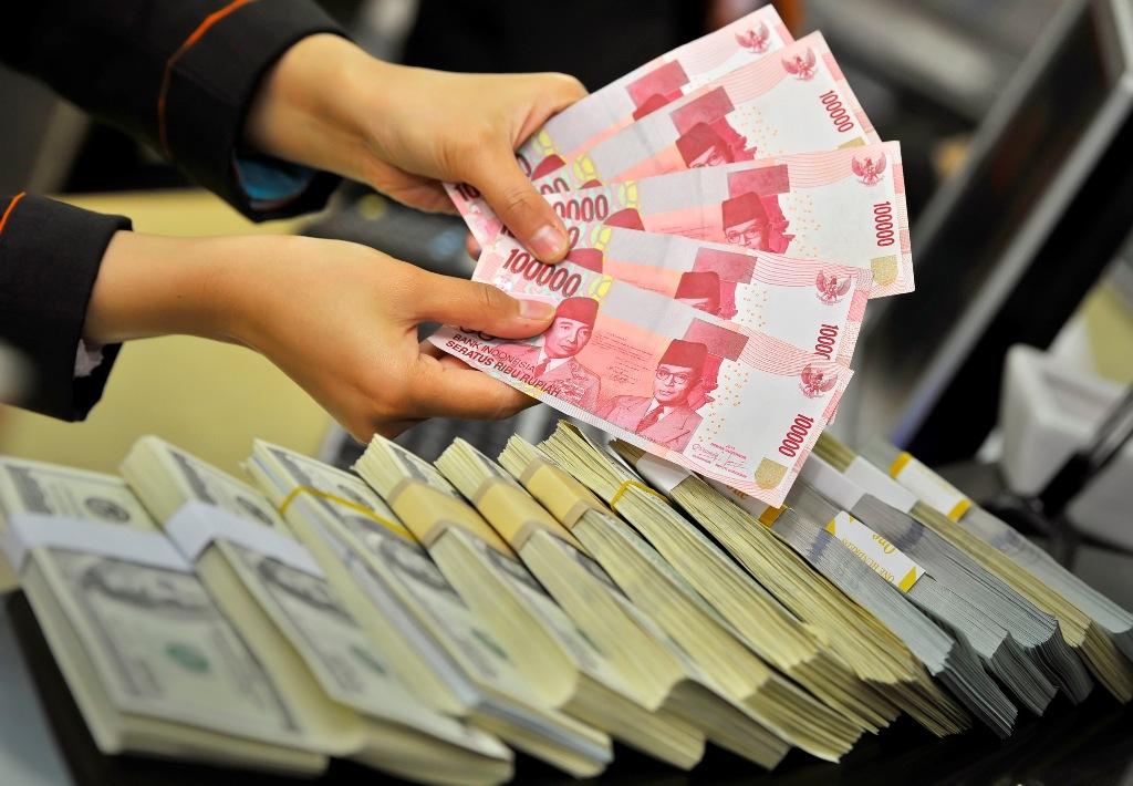 Analis Prediksi Rupiah Merosot ke Rp14.063/USD