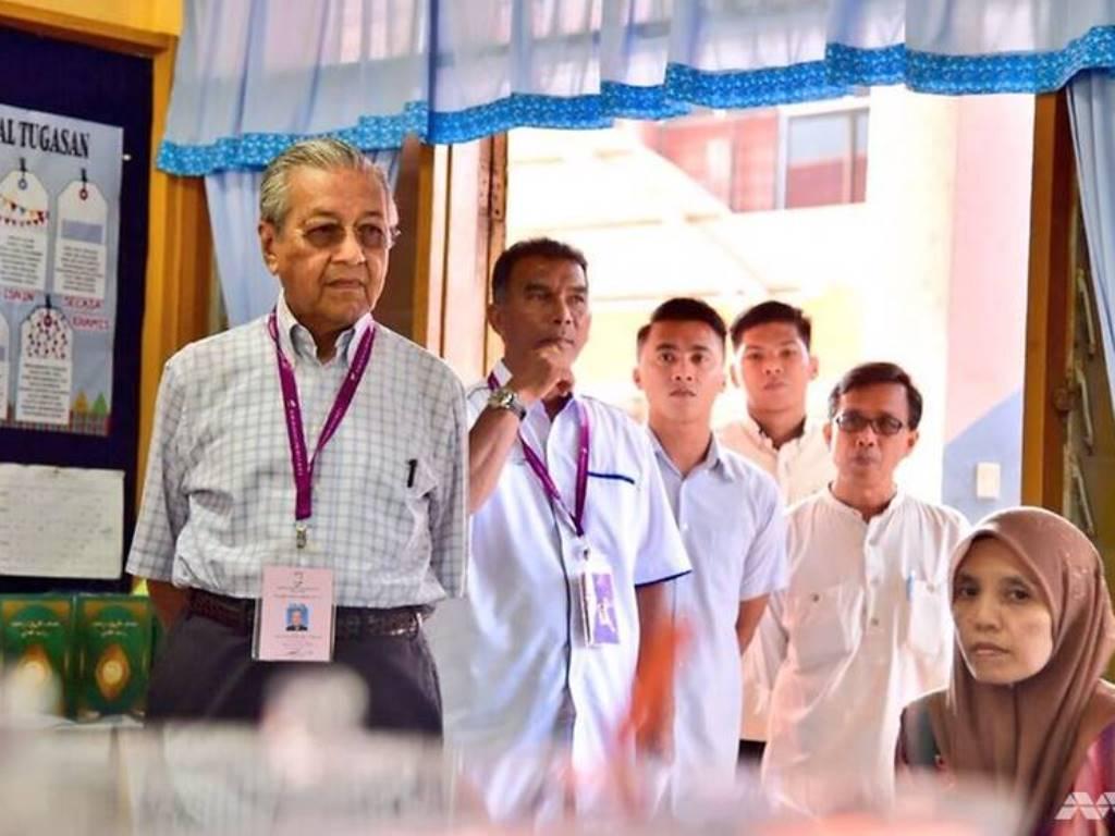 Mahathir Kunjungi TPS Basis Najib di Langkawi