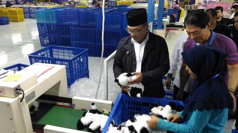 Ridwan Kamil Janji Sejahterakan Buruh di Jawa Barat
