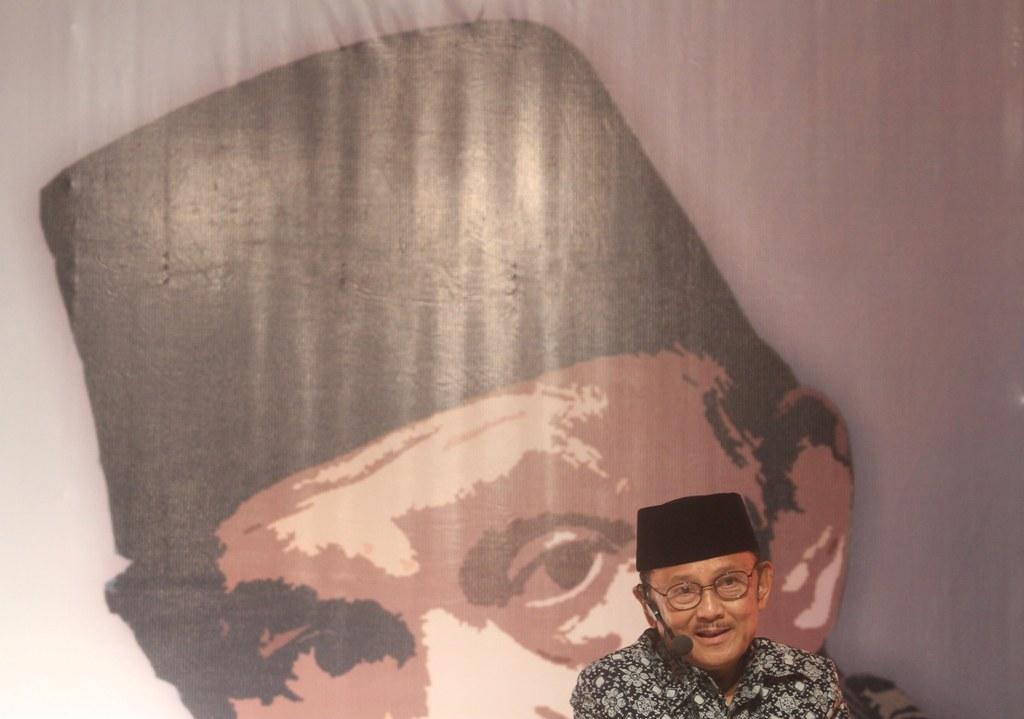 Habibie Sebut Pembuatan Pesawat Terbang Ide Soekarno