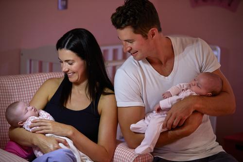 Selain Genetik, Usia Orang Tua Pengaruhi Kemungkinan Punya Bayi Kembar