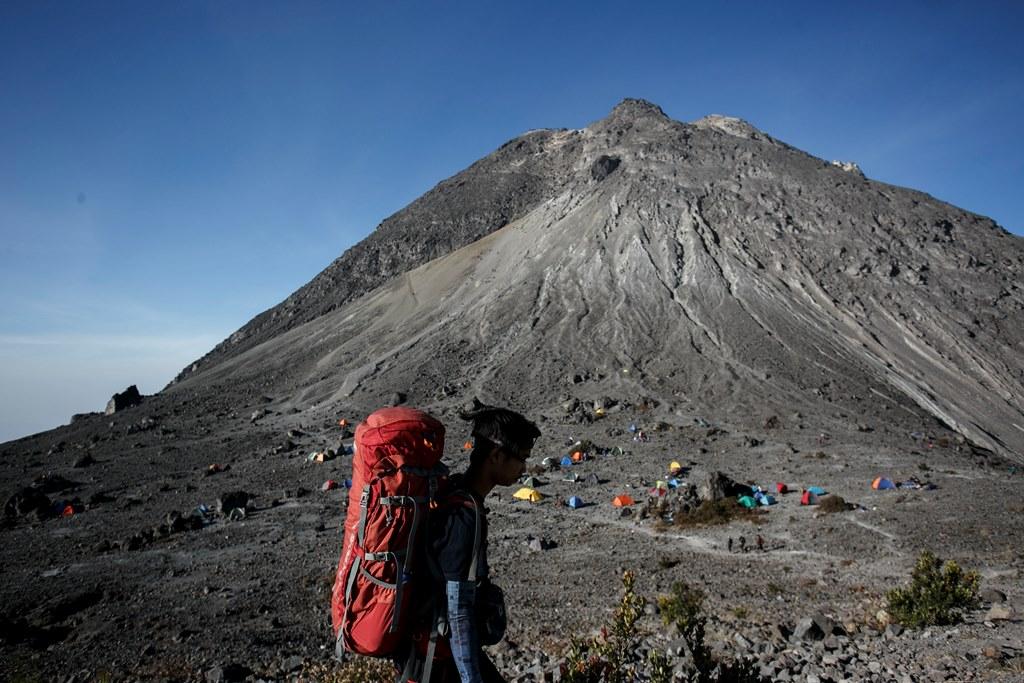 Ratusan Pendaki Gunung Merapi Telah Dievakuasi