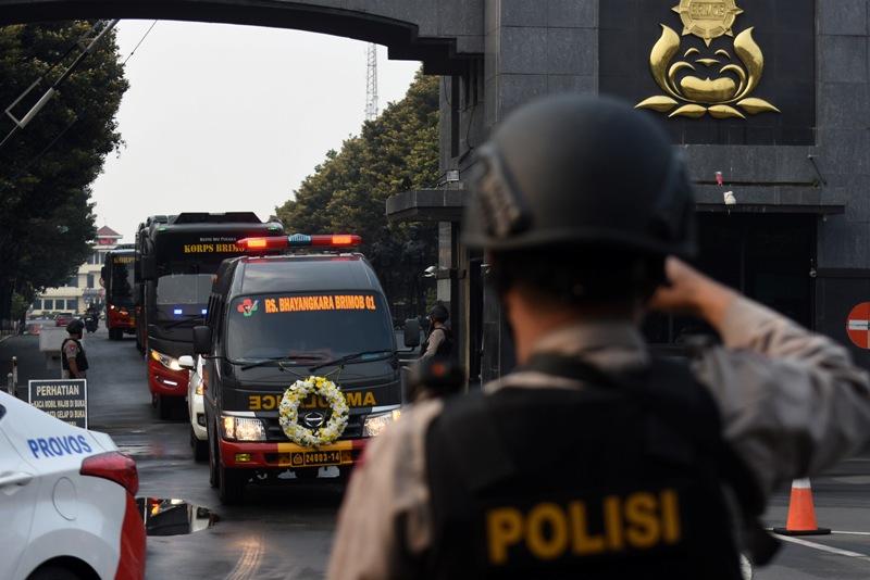 Perspektif Hukum TNI dan Polri Berantas Terorisme