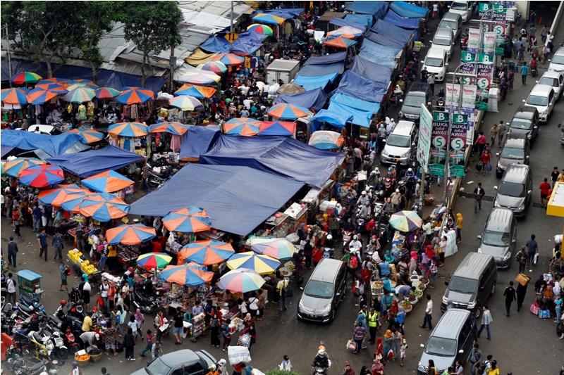Sandiaga Ingin Pedagang Tanah Abang Berjualan Mobile Saat Ramadhan