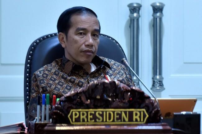 Jokowi Serahkan Diskon Tarif Tol Mudik ke Operator