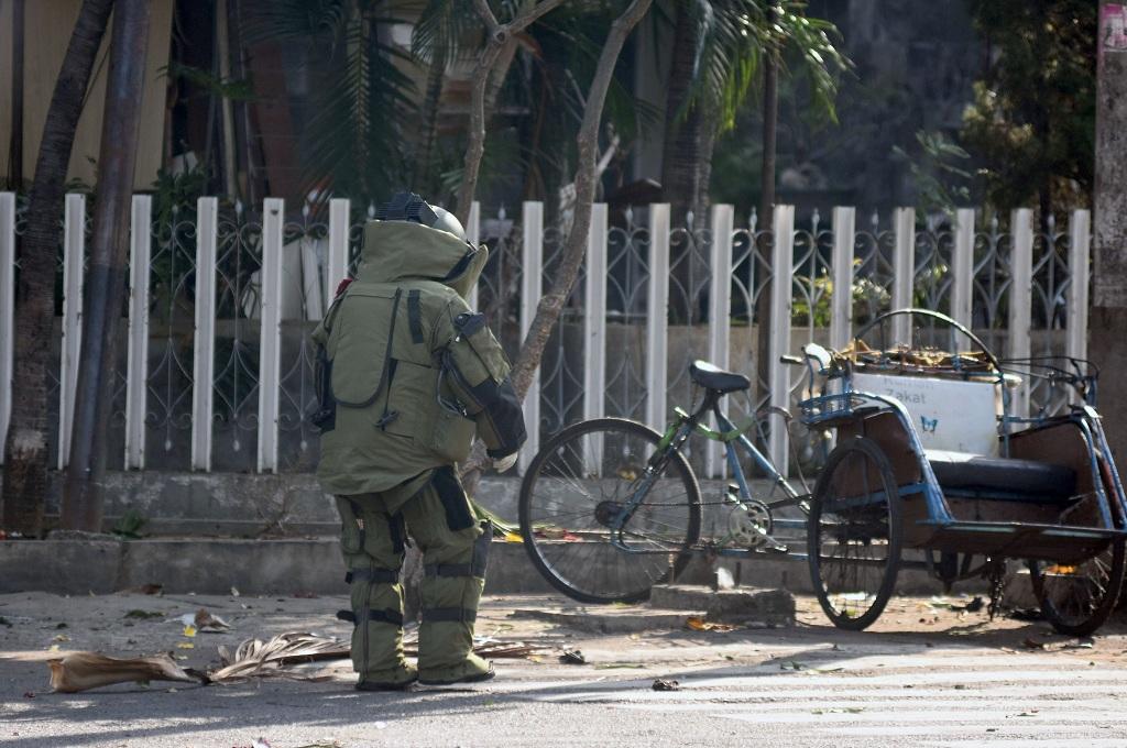 Tiga Bom belum Meledak Ditemukan di Surabaya