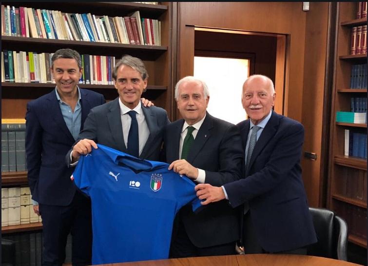 FIGC Tunjuk Mancini sebagai Pelatih Timnas Italia