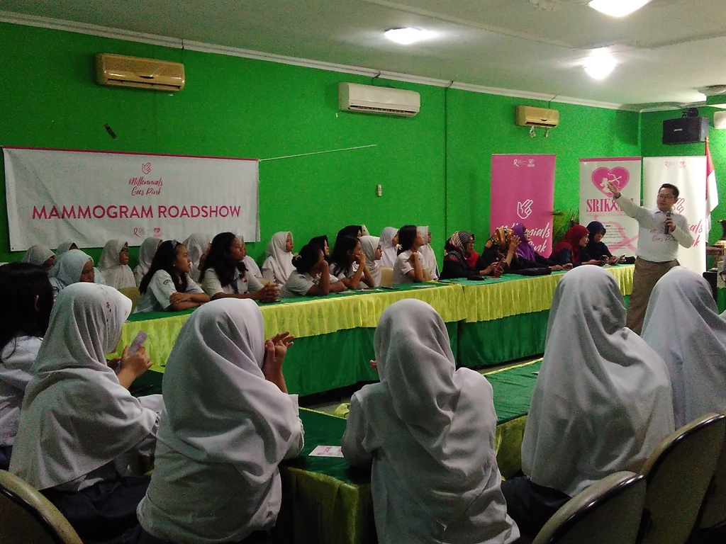 Komunitas MGP Beri Edukasi Kanker Payudara pada Siswa SMA