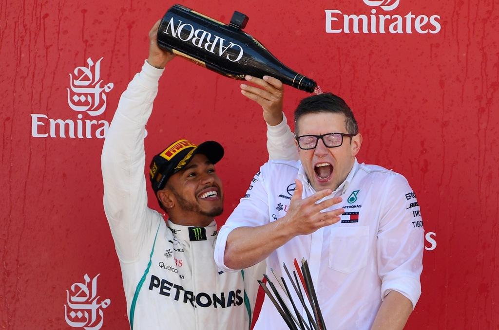 Mercedes Jelaskan Kontrak Baru Hamilton yang Tertunda