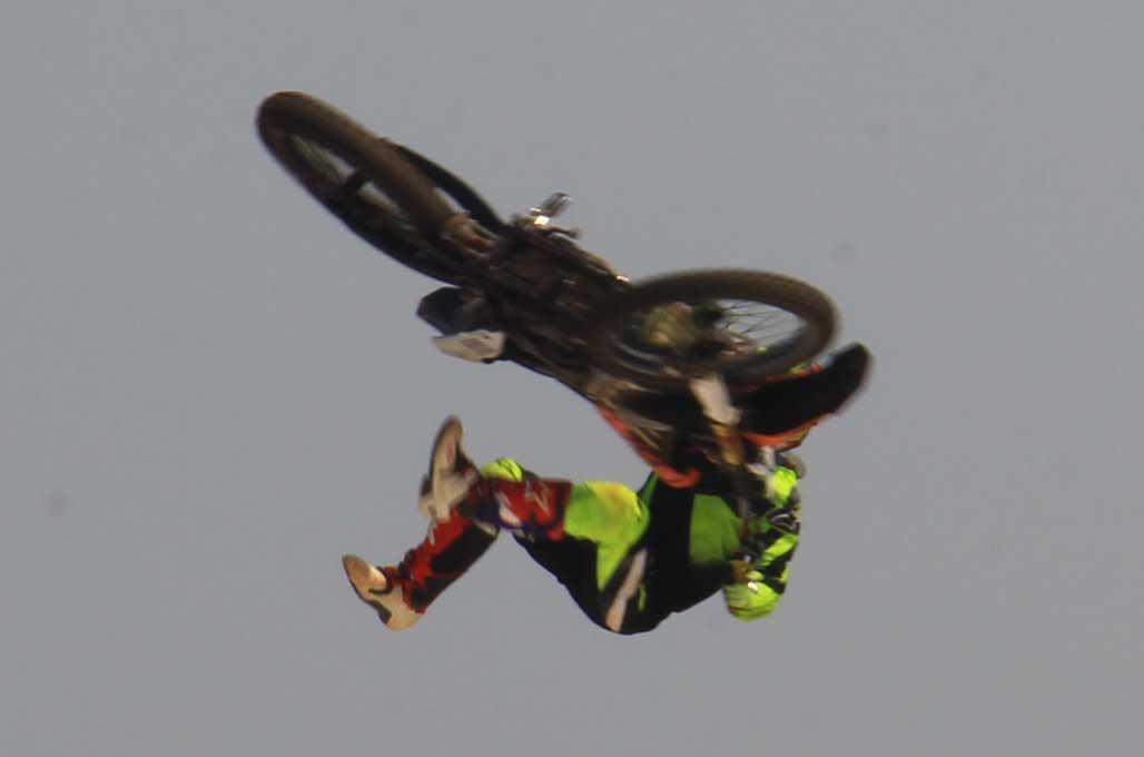 76 Rider Uji Nyali di <i>Extreme Freestyle</i> BSD City