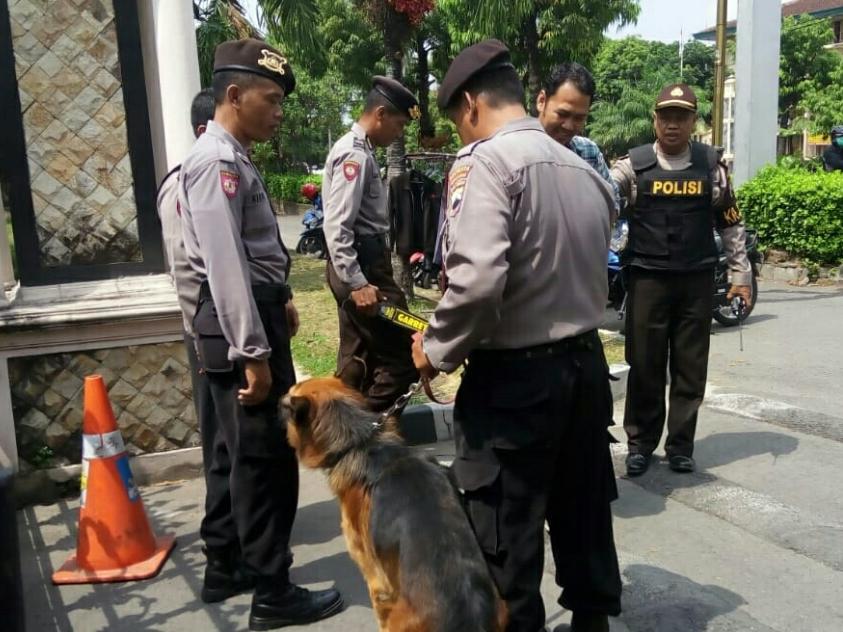 Polisi Solo Siaga Pasca Serangan Mapolda Riau