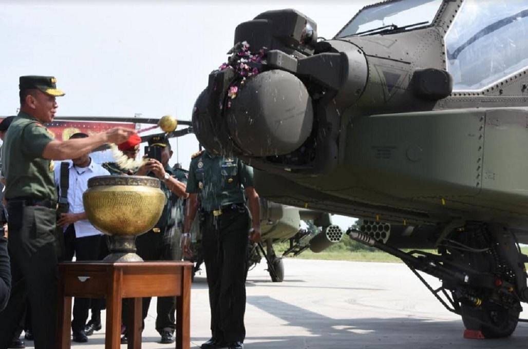 Menhan Serahkan Delapan Apache ke Skuadron II/Serbu Semarang